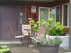 Cate Courtyard & Curb 008